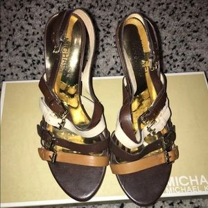 Michael Kors size 7 women  platform heels